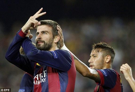 Pique (ảnh) ghi bàn nhưng công đầu thuộc về Messi.