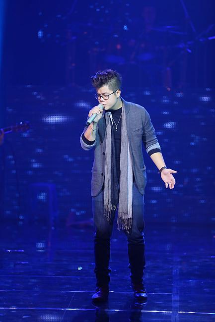 Đinh Mạnh Ninh với sáng tác Mùa đông. Ca khúc này đã mang về cho nam ca sĩ giải thưởng cao nhất - Bài hát của tháng liveshow tháng 11.