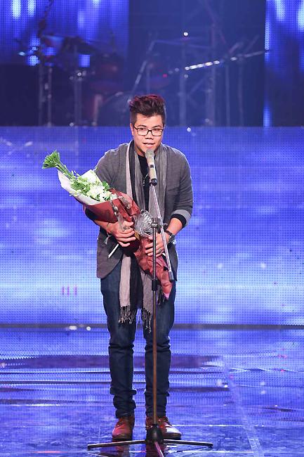 Với chiến thắng này, Đinh Mạnh Ninh đã chắc chắn có trong tay chiếc vé xuất hiện trong Chung kết năm của Bài hát Việt 2014.