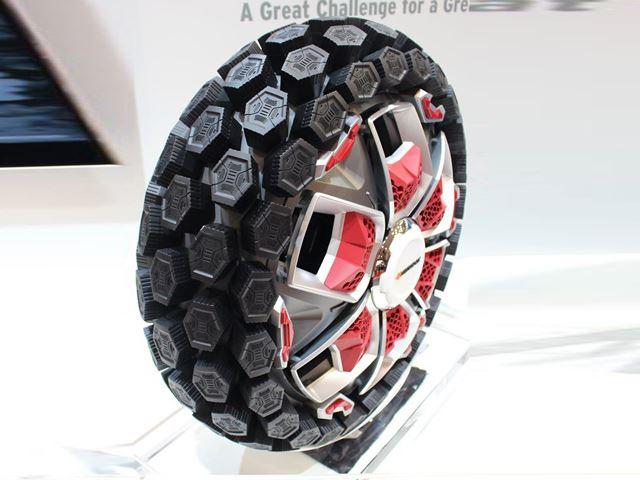 Mẫu thiết kế lốp xe Boostrac