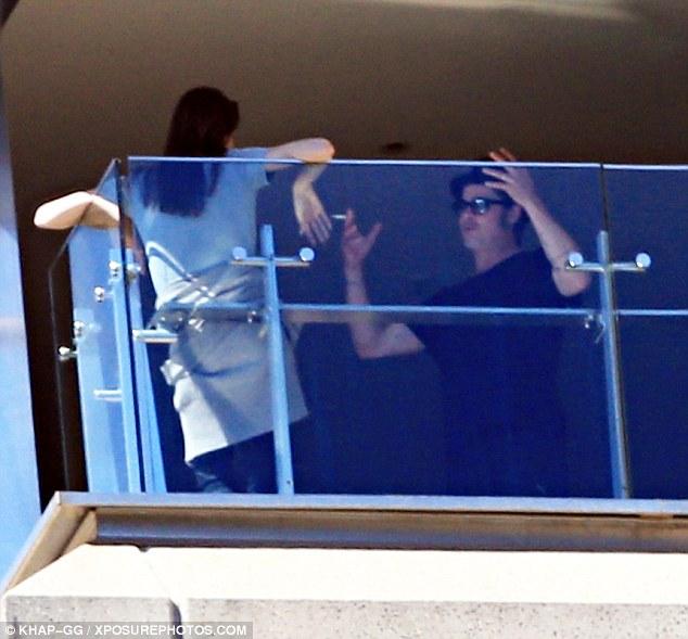 Hai vợ chồng Brad Pitt bị bắt gặp to tiếng với nhau vào tuần trước
