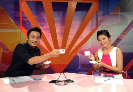 BTV Trung Nghĩa và Hoàng Linh - MC của Café sáng