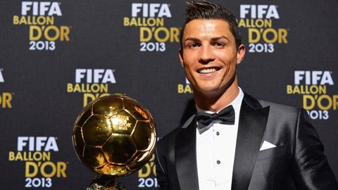 Cris Ronaldo đang là chủ nhân của Quả bóng vàng thế giới 2013