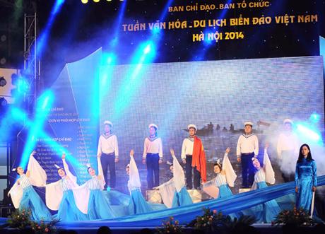 Nhiều tiết mục văn nghệ đặc sắc tại Lễ khai mạc Tuần văn hóa- du lịch biển đảo tại Hà Nội (Ảnh: Thu Thủy)