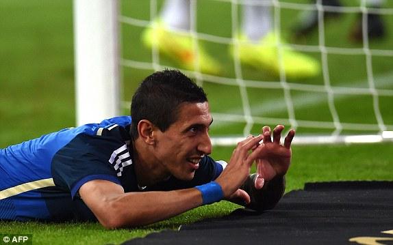 Di Maria thi đấu như lên đồng với một bàn thắng và ba đường kiến tạo thành bàn