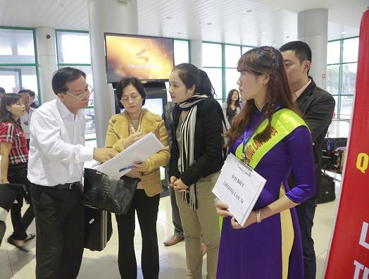 Ban tổ chức LHTHTQ 34 đón tiếp các đại biểu tại sân bay Phú Bài