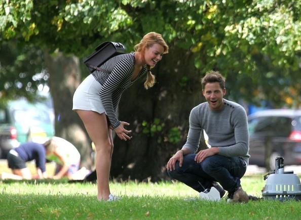 Margot vẫn đang hạnh phúc bên bạn trai Tom Ackley