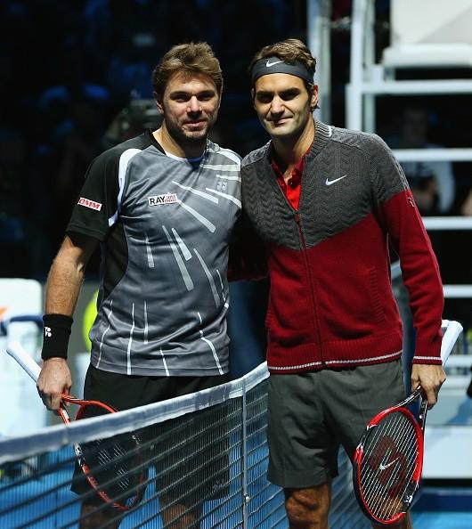 Federer (phải) đã có màn ngược dòng ngoạn mục trước Wawrinka.