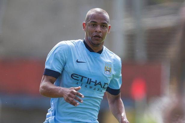Man City cũng mất Fernando do chấn thương