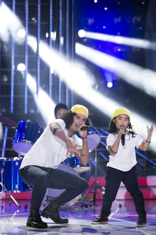 Kyo York và Ju Uyên Nhi hát rock máu lửa