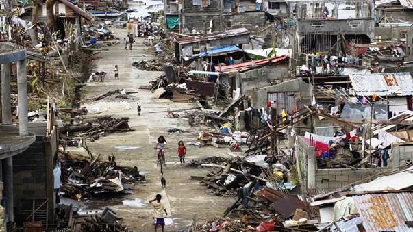 Sự tàn phá khủng khiếp của siêu bão Haiyan sau ngày 8/11/2013. (Ảnh: AAP)