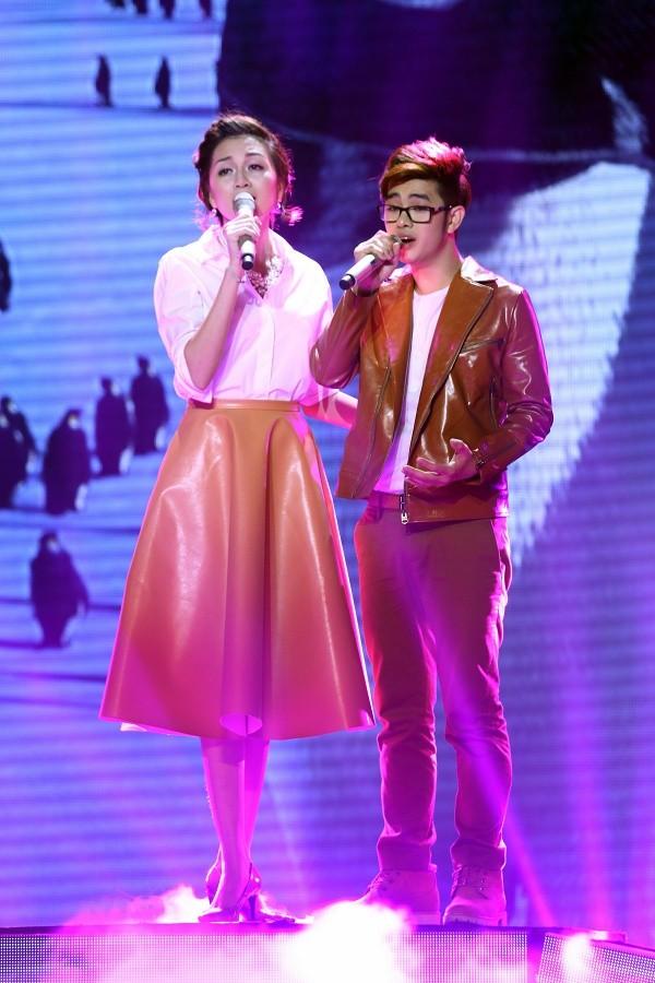 Thiều Bảo Trang đã sáng tác và hỗ trợ Loki Bảo Long trong ca khúc Giữa trời bơ vơ