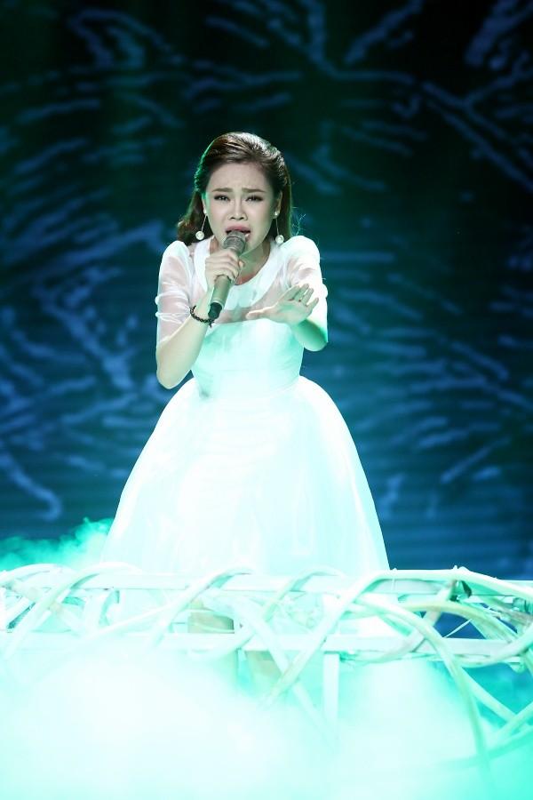 Giang Hồng Ngọc thể hiện mộtca khúc mới của khán giả viết tặng riêng cô - Con sẽ sống vì mẹ
