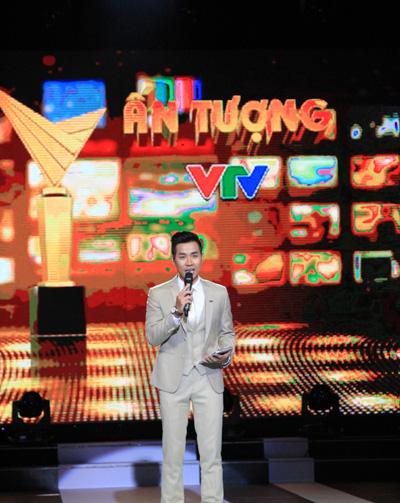 MC Nguyên Khang đảm nhận vai trò dẫn dắt chương trình