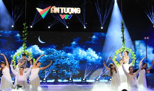 Ca sĩ Đinh Mạnh Ninh và Thảo My hòa giọng hát trong Giấc mơ tình yêu