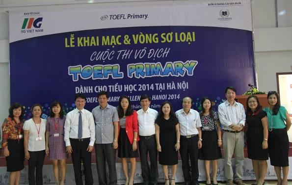 Hội đồng giám khảo trong lễ khai mạc tại trường PTLC Vinschool