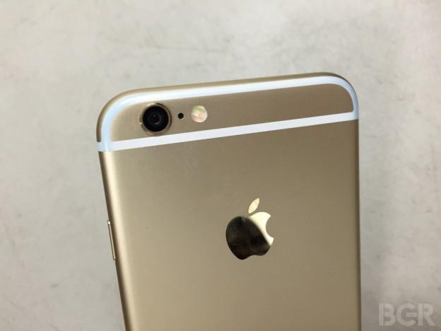 iPhone 6 bị ám màu thuốc nhuộm từ quần Jeans