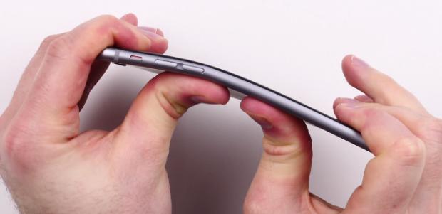 Thử nghiệm bẻ cong iPhone 6 Plus bằng tay của nhóm Unbox Therapy