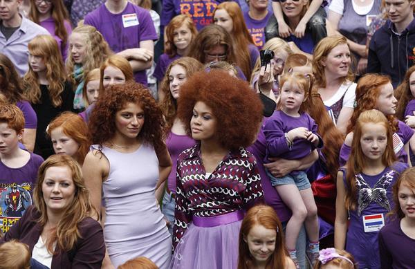 Những mái tóc đỏ với nhiều kiểu dáng khác nhau được chủ nhân tự tin trưng bày tại đây. (Nguồn: Theo Dailymail)