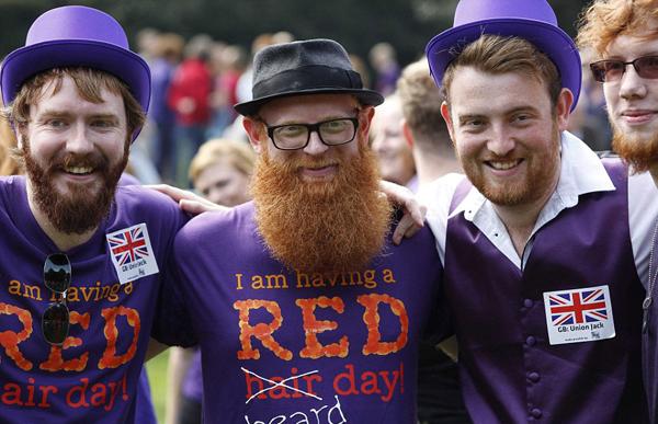 Những người tham gia không chỉ sở hữu mái tóc đỏ, còn cả bộ râu đỏ. (Nguồn: Theo Dailymail)