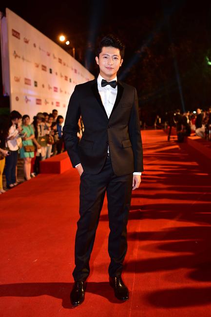 Diễn viên trẻ Hari Lu - một trong những diễn viên đang được yêu thích hiện nay. Nam diễn viên tạo được sự chú ý sau khi tham gia bộ phim Thần tượng.