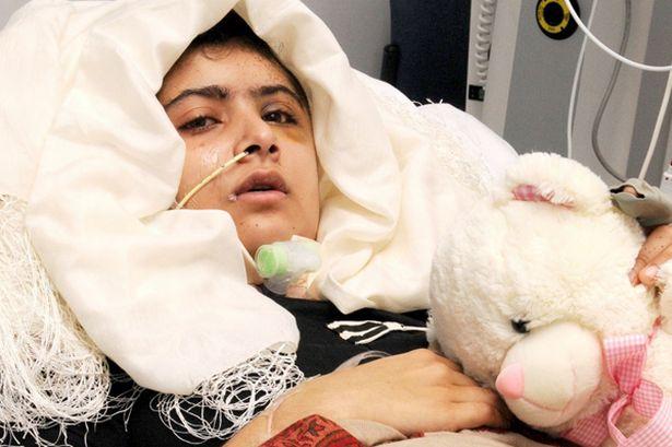 Malala là mục tiêu giết hại của Taliban (Ảnh: Guardian)