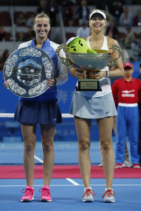 Masha và Kvitova (trái) đã cống hiến cho khán giả trận chung kết hấp dẫn.