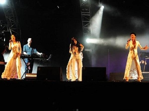 Nhóm 5 dòng kẻ trình diễn tại Festival Âm nhạc Quốc tế Gió mùa 2014. (Ảnh: Thể thao Văn hoá)