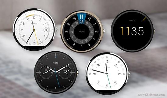 Hình ảnh với chiếc đồng hồ đáng nghi ở giữa, được đăng trên trang web chính thức của Motorola