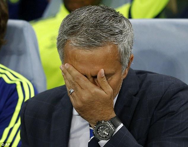 HLV Mourinho buộc phải toan tính kĩ lưỡng trong việc sử dụng Diego Costa ở giai đoạn này.