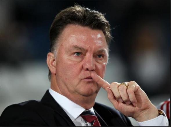 HLV Van Gaal đang rất khó khăn với M.U