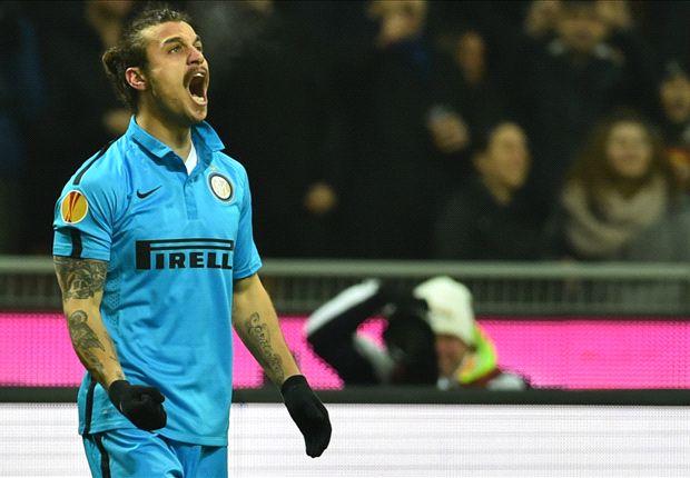 Inter Milan của Osvaldo cũng đã vào vòng trong