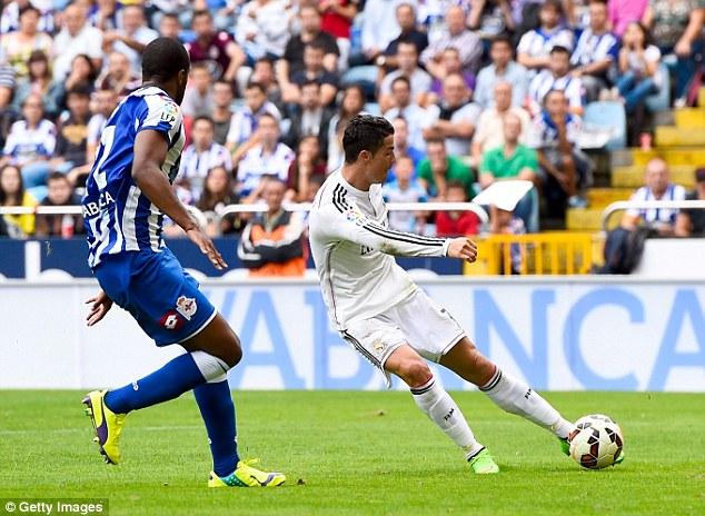 Ronaldo hoàn tất cú hat-trick ở phút 78