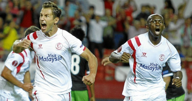 Đương kim vô địch Sevilla có khởi đầu ấn tượng