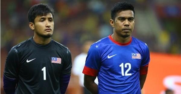 Tiền vệ Shukor (số 12) được coi là chốt chặn từ xa quan trọng của ĐT Malaysia.
