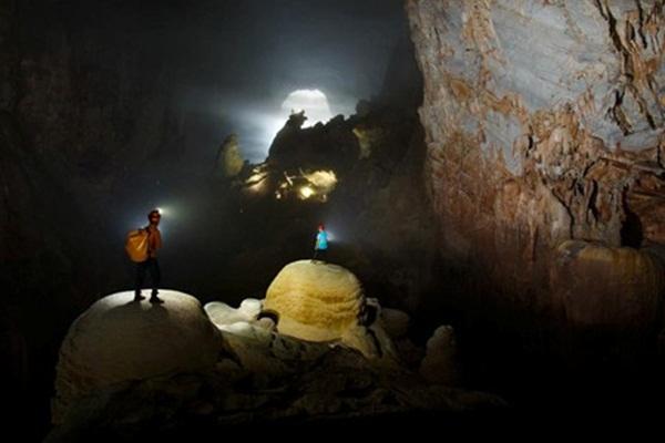 Tour thám hiểm Sơn Đoòng đã được đặt kín lịch đến hết năm 2014. (Ảnh: Ryan Deboodt)