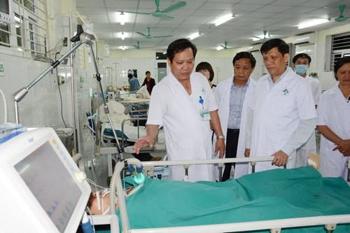 Bộ Y tế cử đoàn bác sĩ khẩn cấp cứu chữa người bị nạn tại Lào Cai