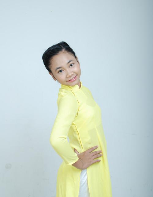 Cô bé Trần Kayon Thiên Nhâm của đội HLV Lam Trường
