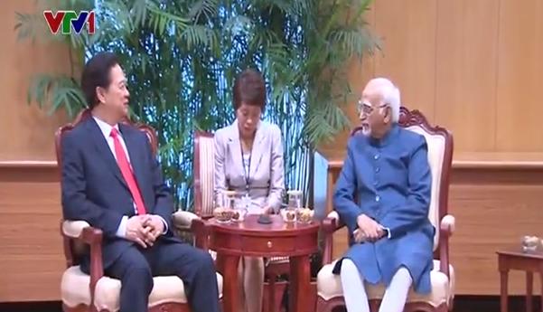 Thủ tướng hội kiến Phó Tổng thống Ấn Độ Hamid Ansari.