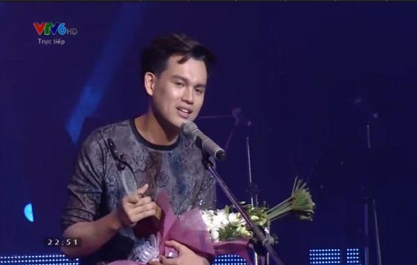 Nguyễn Trần Trung Quân nhận giải Ca sĩ thể hiện hiệu quả nhất