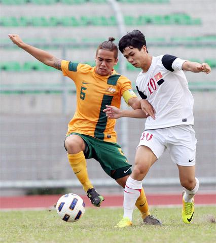 U19 Việt Nam (áo trắng) từng đánh bại U19 Australia với tỉ số 5-1 ở vòng loại U19 châu Á cách đây 1 năm