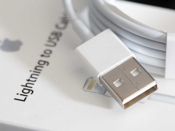 Cáp Lightning USB 2 mặt được trang bị cho iPhone 6 cũng chỉ là tin đồn