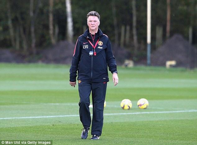 Van Gaal sẽ làm gì để giúp Man Utd chặn bước tiến của Chelsea?