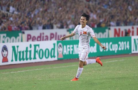 Siêu dự bị mang áo số 9 Văn Toàn trong trận đấu được xuất phát ngay từ đầu đã có pha lập công để đời. (Ảnh: TTVH)