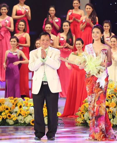 Nữ sinh viên hùng biện hay nhất bằng tiếng Anh - Nguyễn Thị Phương Thảo (Đại học Ngoại thương Cơ sở 2 TP HCM).