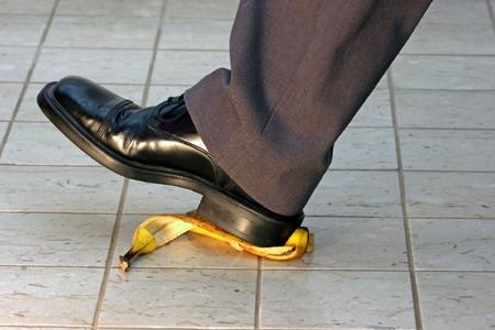 Công trình đo lực ma sát giữa vỏ chuối và chiếc giày đoạt giải Ig Nobel Vật lý.