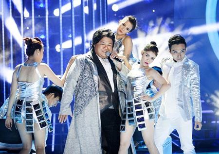 Vương Khang trong chương trình Gương mặt thân quen