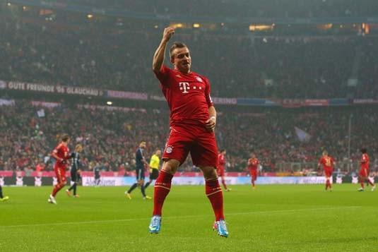 Xherdan Shaqiri  đã công khai chỉ trích Bayern Munich và HLV Pep Guardiola
