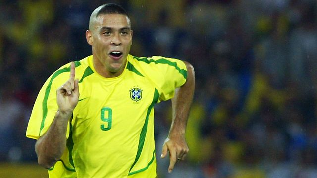 Ronaldo là cầu thủ xuất sắc nhất mà tôi từng đối mặt. Nếu không phải vì lý do chấn thương, tôi nghĩ anh ấy sẽ đạt tới trình độ của Pele và Diego Maradona.