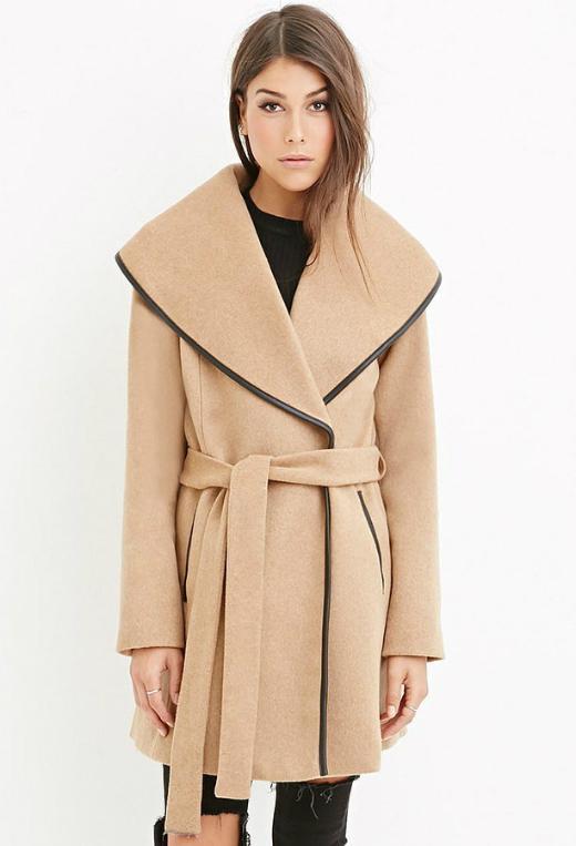 Còn Front coat là kiểu áo khoác với cổ vạt lệch hai bên, sẽ rất thích hợp để tạo nét thanh lịch, sang trọng.